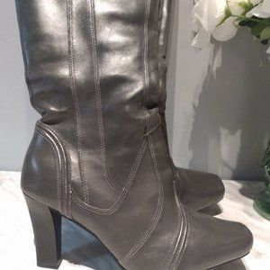 Long grey hush puppy boots size 8, Genuine leather, weatherproof. 3in heal.